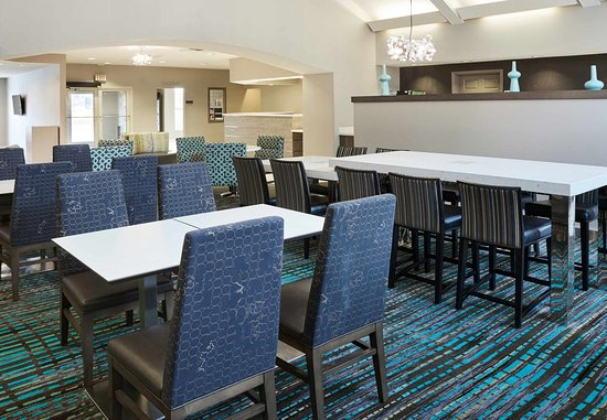 Pontiac, MI: Breakfast Dining Area