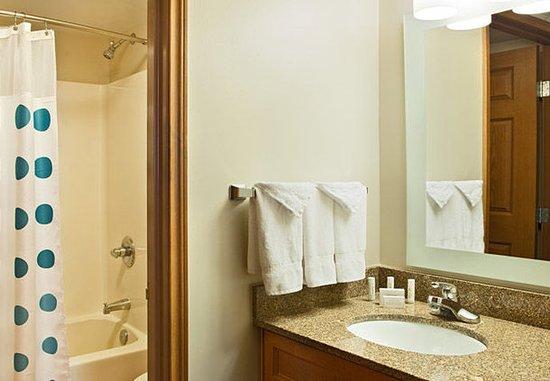 Littleton, CO: Two-Bedroom Suite Bathroom