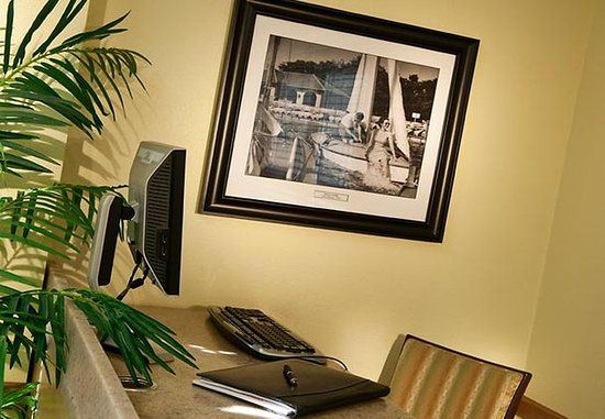 Sterling Heights, MI: Business Center