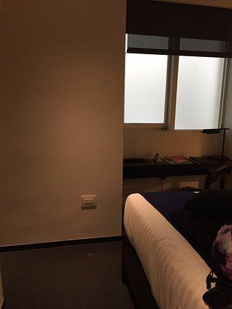 La Suite West - Hyde Park: Room 1 (possibly 101) Petite Double Room