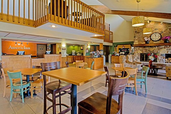 Plover, WI: Lobby