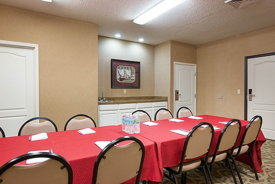 Camden, AR : Meeting Room