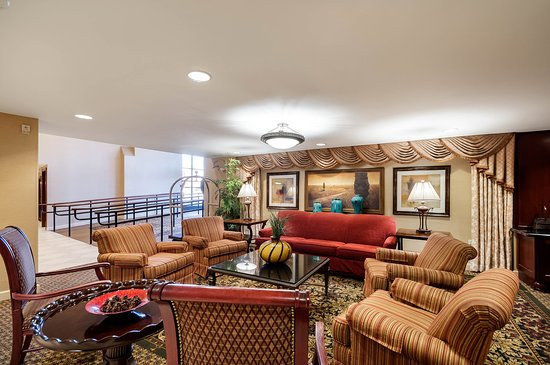 Clarion Collection Hotel Arlington Court Suites: Lobby