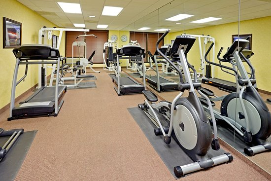 Crowne Plaza Edison: Fitness Center