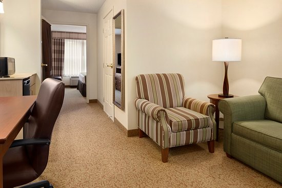 Stevens Point, WI: STEVOne Bedroom Suite