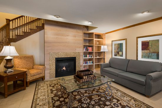 Owatonna, MN: OWNTLiving Room With Fireplace