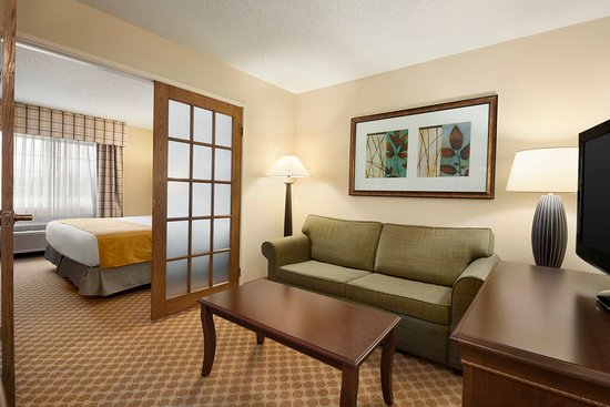 Owatonna, MN: OWNTOne Bedroom King Suite