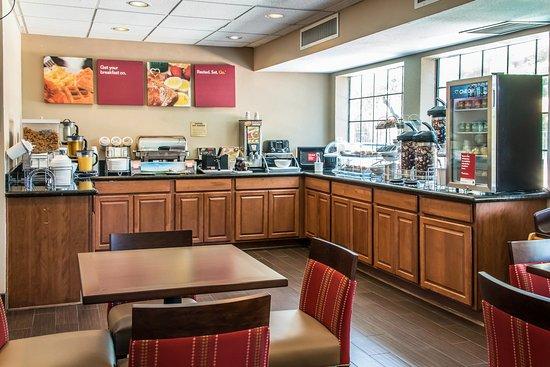 Comfort Suites I-35 North: Breakfast Area