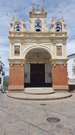 Cerveceria El Gallo : Church bells at the end of the main plaza