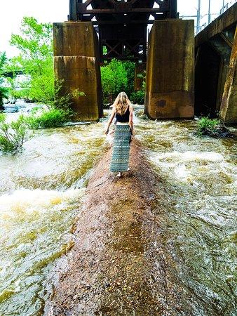 James River: photo1.jpg
