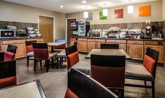 Quality Suites St. Joseph