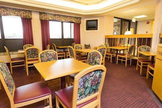 Pear Tree Inn Paducah: Dining Area