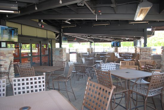 Austin, MN: Torge's Live Sports Pub and Grill Pavilion