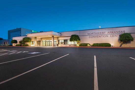 Springdale, AR: Convention Center Exterior