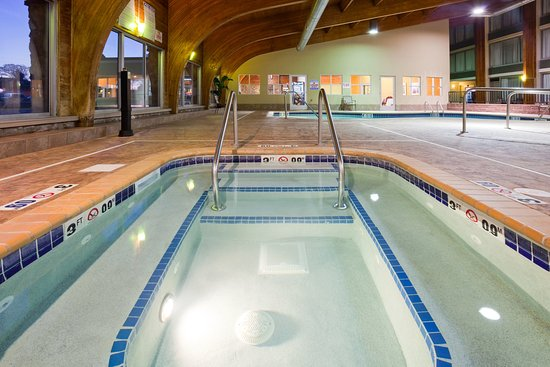 Detroit Lakes, MN: Whirlpool in our Family Friendly pool area