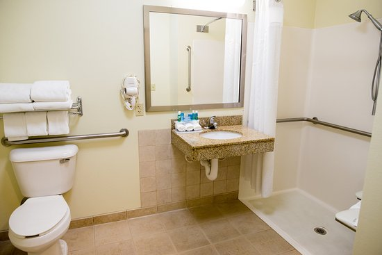 Chanhassen, MN: King Bed Room with Roll In Shower