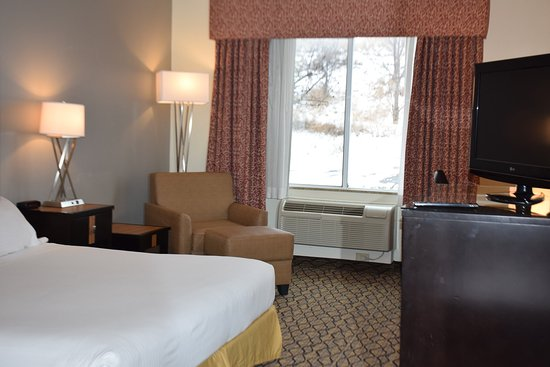 Chanhassen, MN: King Suite