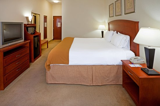 Grand Prairie, TX: King Bed Guest Room