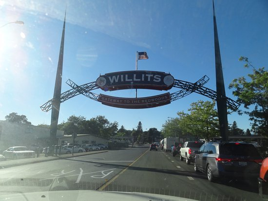 Willits, CA: Location of the restaurant.