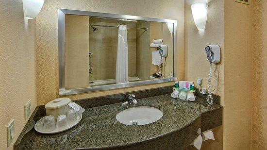 Cookeville, TN: Guestroom Bath