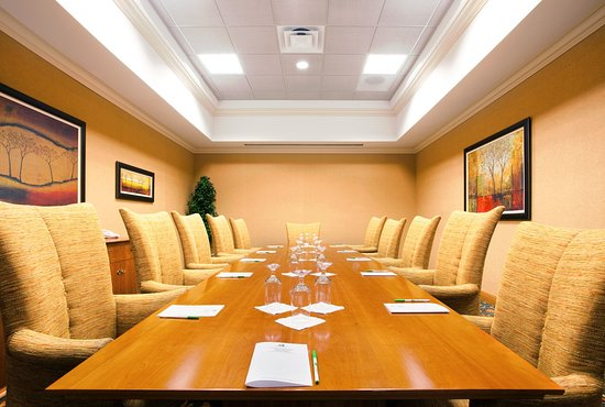 Tinley Park, IL: Executive Boardroom