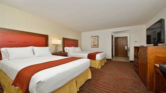 Milford, MA: Our double rooms are perfect when traveling to the area!