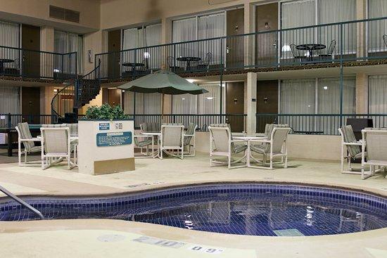 Alexandria, MN: Recreation Center Hot Tub