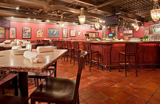 Alexandria, MN: Bar and Lounge