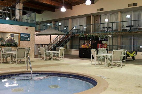 Holiday Inn of Alexandria wading pool
