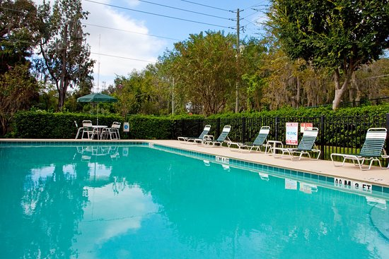 Holiday Inn Express - Ocala Midtown Medical - US 441: Outdoor Swimming Pool
