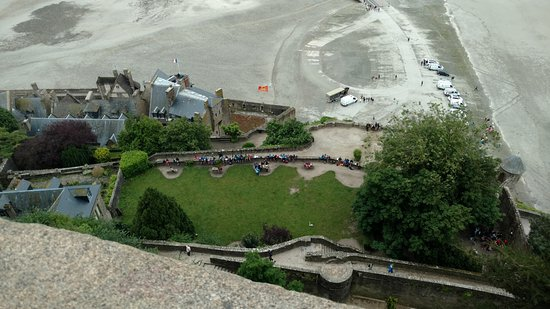 Biara Mont-Saint-Michel: Looking down to realize how many steps you have climbed.