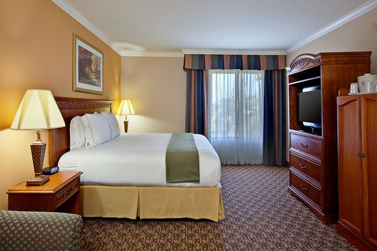Moreno Valley, Kalifornia: Our King Bed Guest Room offers all the comforts of home