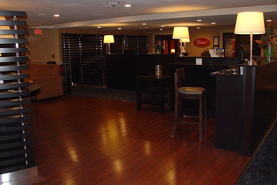 Four Points by Sheraton Wakefield Boston Hotel & Conference Center: Bar