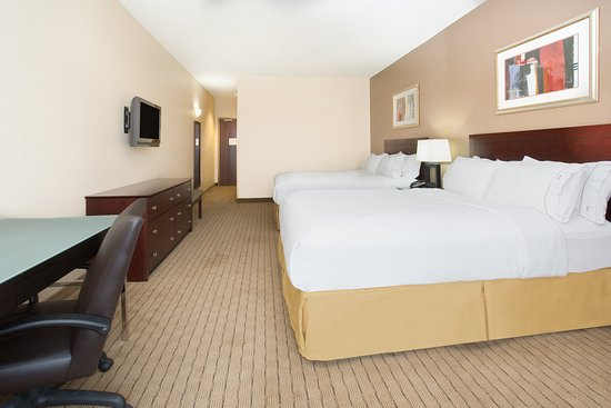 Holiday Inn Express Minot South: ADA/Handicapped accessible Two Queen Bed Guest Room