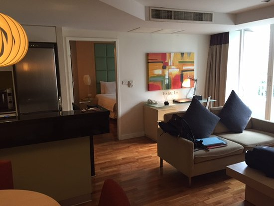 Urbana Langsuan: One bedroom