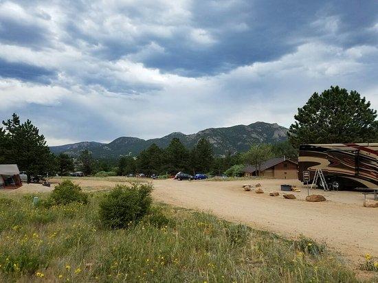 Mary's Lake Campground 이미지