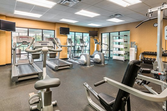 Webster, Νέα Υόρκη: Large Fitness Center offers many options to keep you active