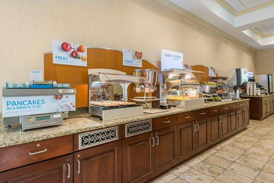 Webster, NY: Our Hot Breakfast Buffet is included every morning