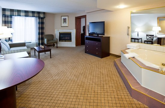 Holiday Inn Hotel & Suites Wausau-Rothschild: Jacuzzi Suite