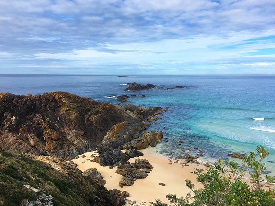 Seal Rocks, Australia: Look out point immediately next to the premises.