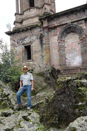 Paricutín Volcano: Sobre las rocas de lava