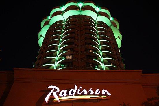 Covington, KY: Radisson Cincinnati Riverfront Night View
