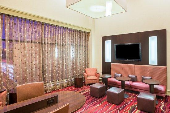 Newton, MA: Bar and Lounge