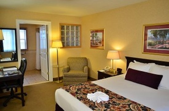 Skaneateles Suites: Boutique Hotel Room Queen