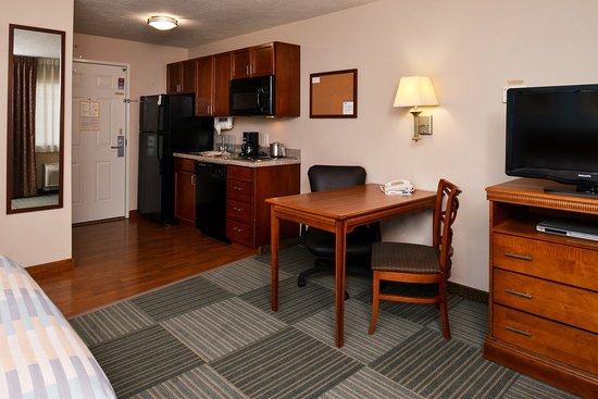 Meridian, ID: Guest Room