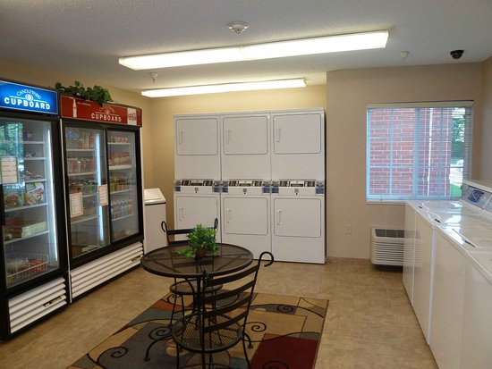 Libertyville, IL: Candlewood Cupboard