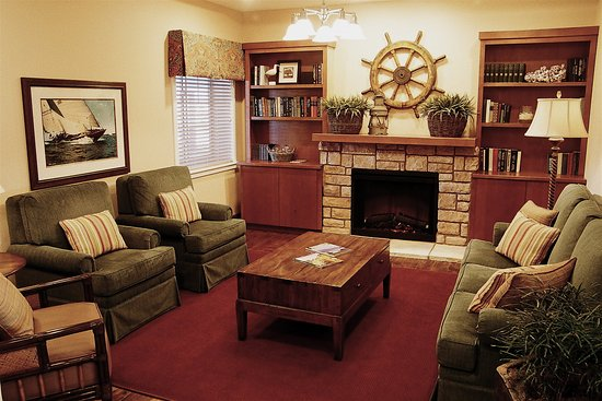 Rivertide Suites: Hearth Room