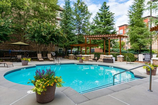 Dunwoody, GA: Swimming Pool