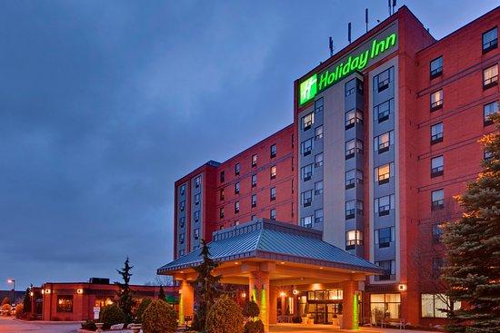 Holiday Inn & Suites - Ambassador Bridge: Our Windsor Hotel