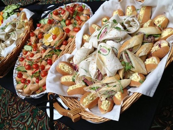 Longueuil, Kanada: Buffets with dishes to please every palate!